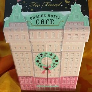 Too Faced Christmas in New York Grande Hotel Cafe